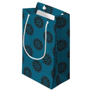 Petit Sac Cadeau Conception florale noire complexe de médaillon