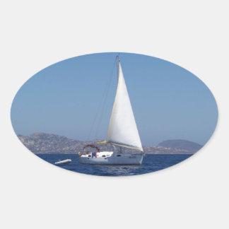 Petit yacht sous Gênes Sticker Ovale