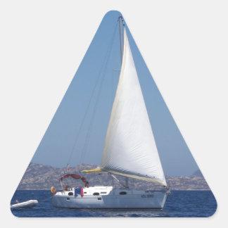 Petit yacht sous Gênes Sticker En Triangle