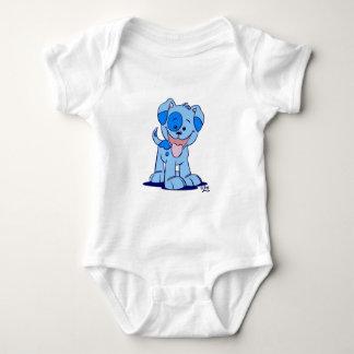 Petite barboteuse bleue de bébé de chiot