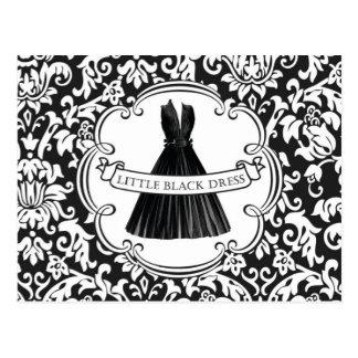 Petite carte postale noire vintage de robe