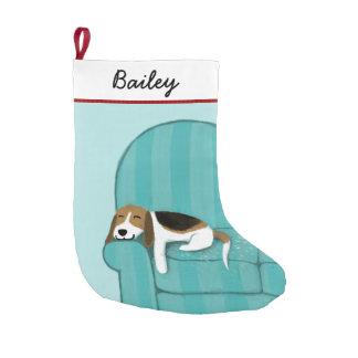 Petite Chaussette De Noël Beagle mignon de bande dessinée sur le divan avec