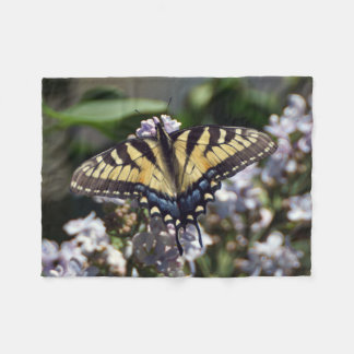 Petite couverture d'ouatine de papillon de machaon