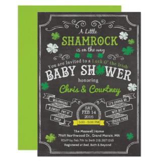 Petite invitation de baby shower de shamrock
