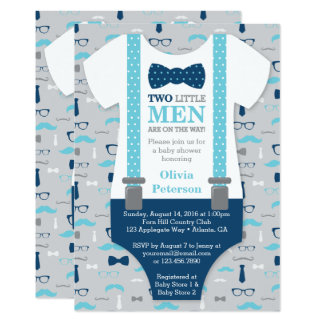 Petite invitation jumelle de baby shower d'hommes,