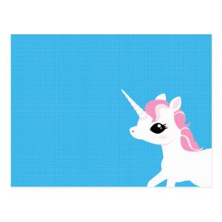 Petite licorne avec la carte postale rose de