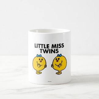 Petite Mlle Twins | deux beaucoup d'amusement Mug