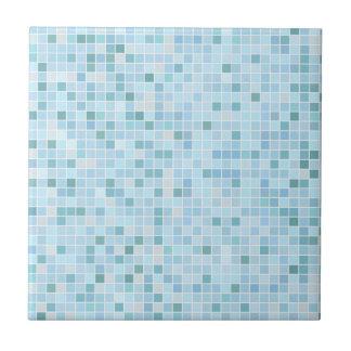 Petite ou grande tuile en céramique bleu-clair de carreau