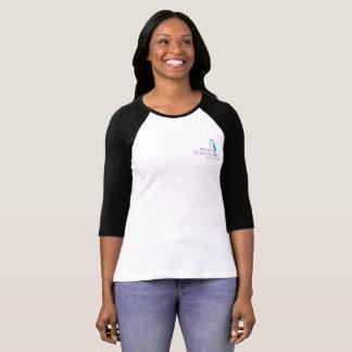 Petite pièce en t de raglan du logo des femmes t-shirt