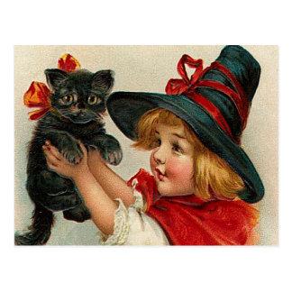 Petite sorcière vintage de Halloween tenant le Carte Postale
