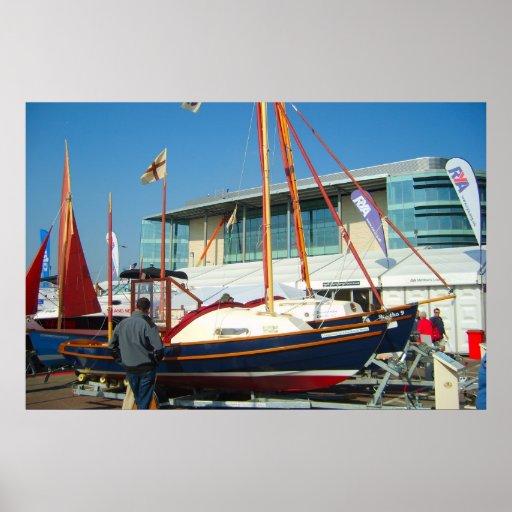 Petits bateaux à voile, salon nautique de Southamp Poster