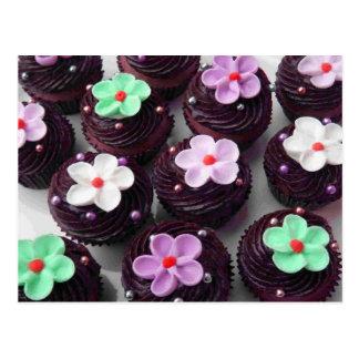 Petits gâteaux complétés floraux cartes postales