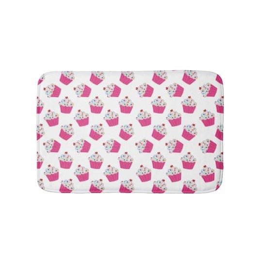 petits g teaux roses heureux de coeur motif doux tapis de bain zazzle. Black Bedroom Furniture Sets. Home Design Ideas