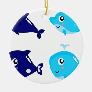 Petits T-shirts mignons bleus de baleines Ornement Rond En Céramique
