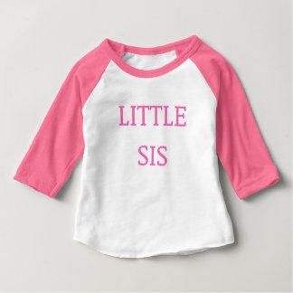 Peu de rose de T-shirt de soeur de SIS