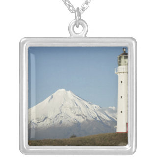 Phare et Mt Taranaki/Mt d'Egmont de cap Pendentif Carré
