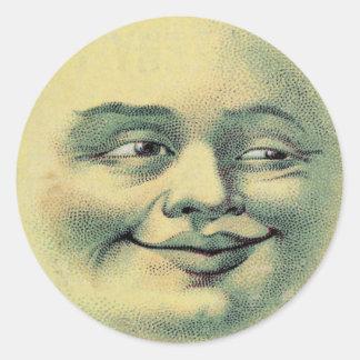 Phoques heureux vintages d'enveloppe de lune sticker rond