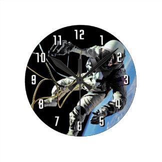 Photo américaine de Spacewalk d'astronaute de la Horloge Ronde