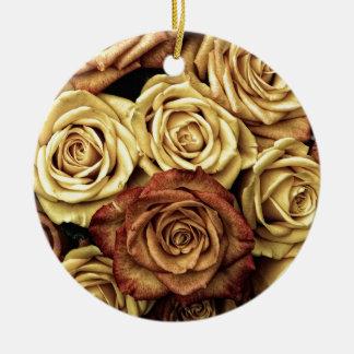 Photo antique de roses ornement rond en céramique