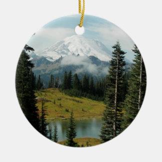 Photo de paysage de montagne ornement rond en céramique