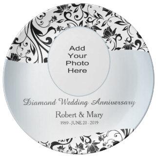 Photo noire d'anniversaire de mariage de diamant assiettes en porcelaine