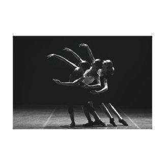 Photo noire et blanche de ballet d'affiche de toiles