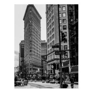 Photo noire et blanche de bâtiment de Flatiron Carte Postale