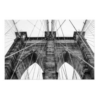 Photo noire et blanche NYC de pont de Brooklyn
