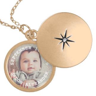 Photo simplement douce de bébé médaillon avec fermoir