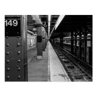 Photo urbaine de souterrain carte postale