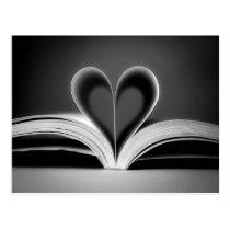 Photographie de livre de coeur carte postale