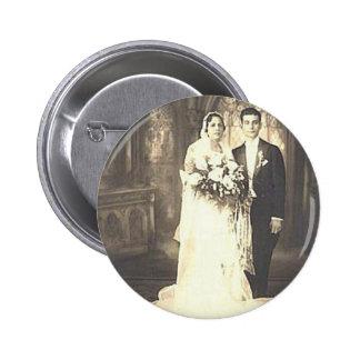 Photographie romantique vintage de mariage de jeun pin's avec agrafe