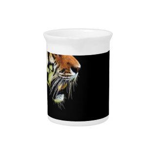 Pichet Chat dangereux de fourrure prédatrice de tigre