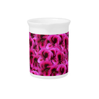 Pichet Fleurs magenta chaudes de géranium,
