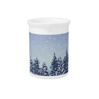 Pichet Scène gelée de forêt d'hiver de neige