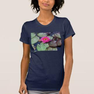 Pièce en t de cru de Lilli de l'eau T-shirt