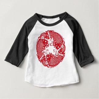 Pièce en t de tourbillonnement rouge d'enfant en t-shirt pour bébé