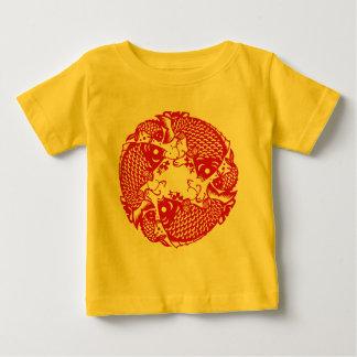 Pièce en t de tourbillonnement rouge du groupe Y T-shirt Pour Bébé