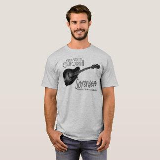 Pièce en t noire et blanche de mandoline de t-shirt