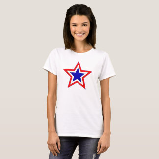 pièce en t rouge d'étoiles blanches et bleues t-shirt