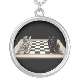 Pièces d'échecs d'échiquier et : Collier