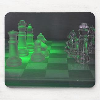 Pièces d'échecs en verre tapis de souris