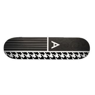 Pied-de-poule noir et blanc planche à roulette