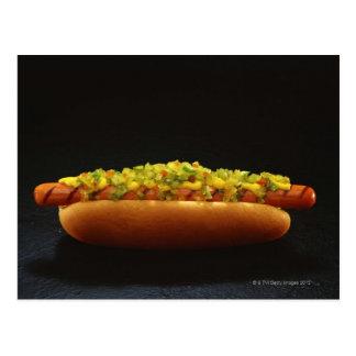 Pied-long hot-dog avec le goût et la moutarde carte postale