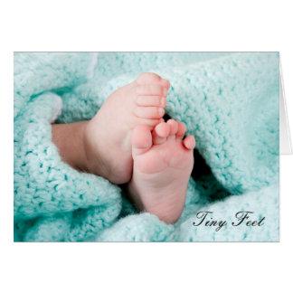 Pieds minuscules - naissance dans la nouvelle carte de vœux