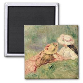 Pierre jeunes filles de Renoir un   sur la berge Magnet Carré