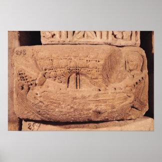 Pierre tombale dépeignant un bateau de pêche affiches
