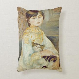 Pierre un Renoir   Julie Manet avec le chat Coussins Décoratifs