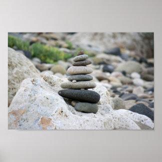 Pierres zen dans la plage d'Almeria Affiche