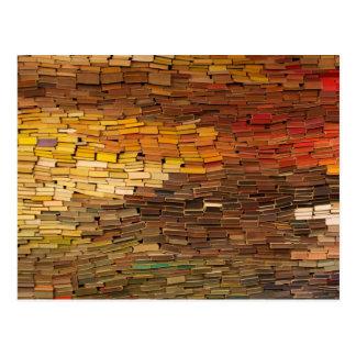 Pile de carte postale de calendrier de livres